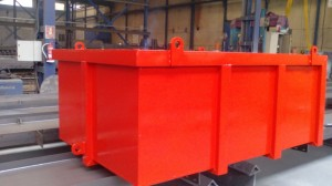 En color rojo, con arandelas para facilitar su colocación y transporte